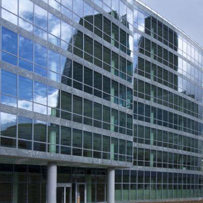 Immeuble de bureaux 9414  m2 + 120 places de parking